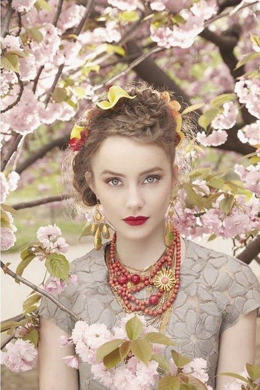 ===La mujer, un bello rostro...=== - Página 4 57f9cd77