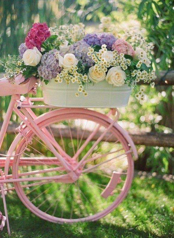 beau vélo fleuri