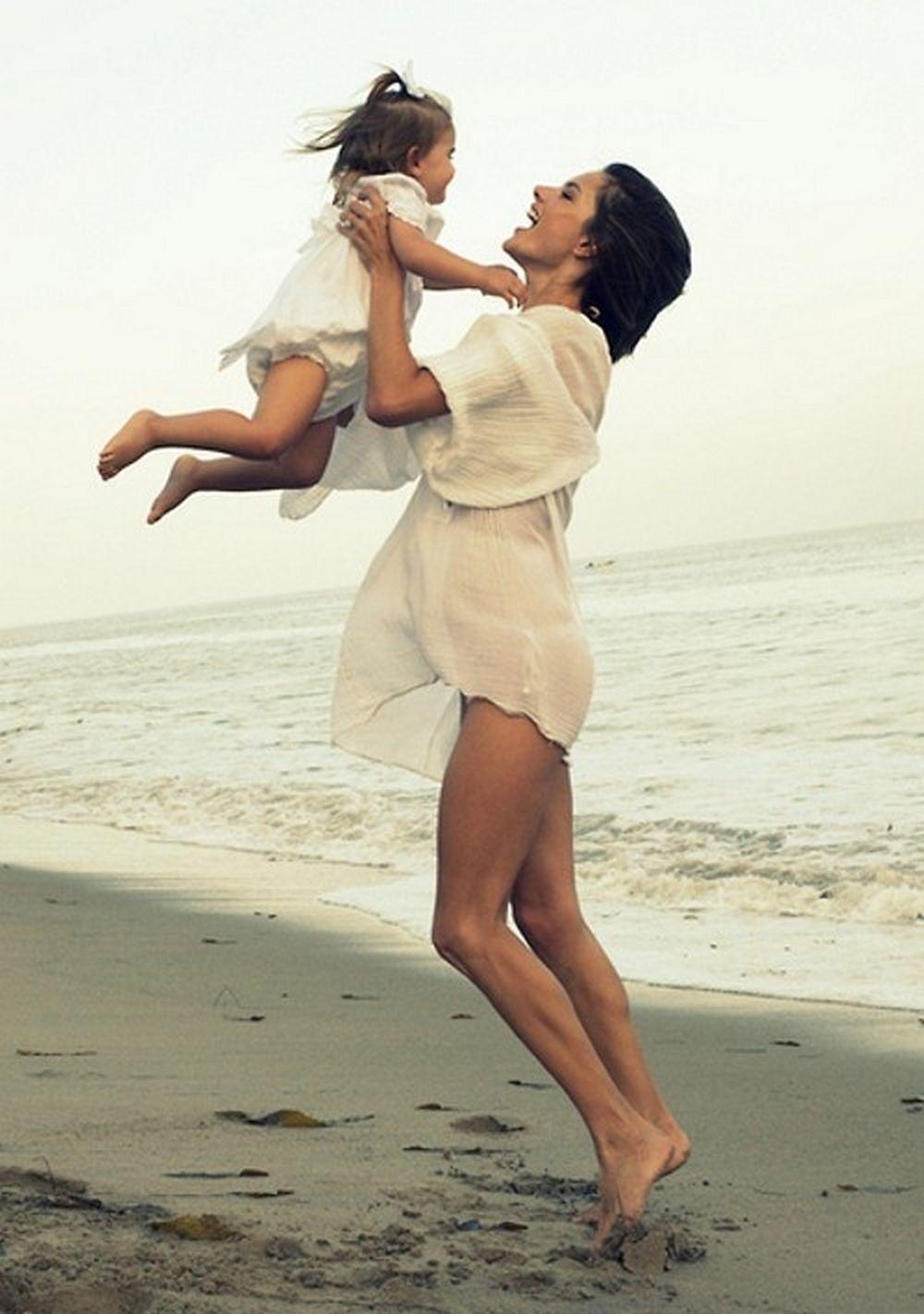 Смотреть бесплатно стройная мама 24 фотография